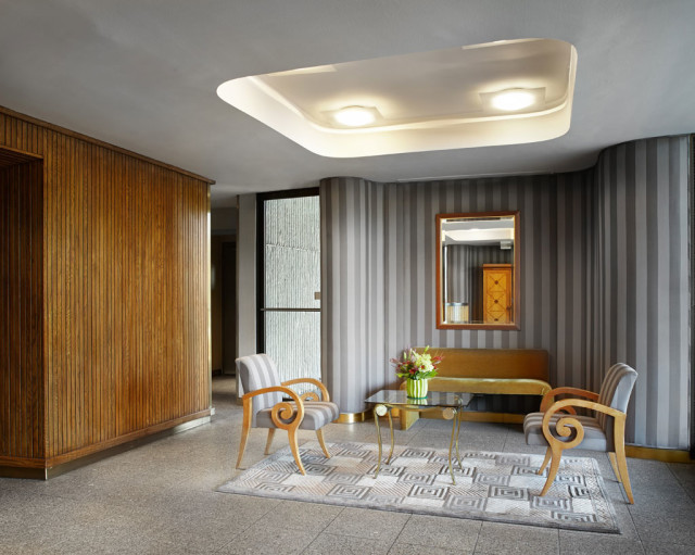 1110 Lobby - simple, chic, not overstated.