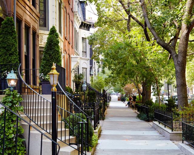 Idyllic small streets invite strollers.